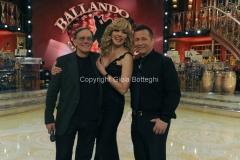 Roma 26/02/2011 Prima puntata di BALLANDO CON LE STELLE, nella foto: Milly Carlucci e Paolo Belli con Roberto Vecchioni