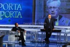 25/05/2011 Roma, Berlusconi ospite di Porta a porta con Vespa