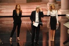 18/05/2011 Roma, prima puntata di Ci tocca anche Vittorio Sgarbi rai uno , nella foto: Monica Marangoni e Metis Di Meo