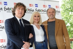 4/05/2011 Roma, presentazione di Eurovision Raidue, nella foto: Il direttore di rete Massiomo Liofredi, Raffaella Carrà, Sergio Japino