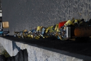 8/10/07 i lucchetti riordinati dal comune di Roma sul Ponte Milvio