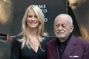 Gioia Botteghi OMEGA 2/02/07 presentazione del film ANNIBAL LECTER nelle foto: Dino De Laurentis con sua moglie Martha