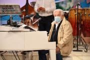 Foto/IPP/Gioia Botteghi Roma 26/10/2020 programma televisivo di rai 2, I fatti vostri,  nella foto: Il regista Michele Guardì in una pausa suona il pianoforte Italy Photo Press - World Copyright