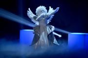 Foto/IPP/Gioia BotteghiRoma 10/01/2019 nuovo programma di Rai uno Il cantante mascherato, nella foto , l'angeloItaly Photo Press - World Copyright
