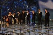 10/03/09 Roma prima puntata di INCREDIBILE raiuno, nella foto : Veronica Maya con i sei bellissimi e Gabriele Cirilli