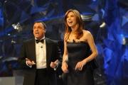 10/03/09 Roma prima puntata di INCREDIBILE raiuno, nella foto : Veronica Maya con Gabriele Cirilli