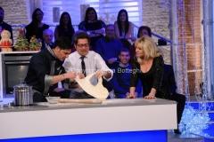 06/01/2015 Roma la prova del cuoco puntata della lotteria Italia, nella foto: Enrico Papi e Antonella Clerici