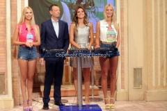19/09/2015 Roma Mezzogiorno in famiglia, nella foto: Amadeus, Alessia Ventura con Jas e Jay