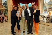 29/09/2012 Roma prima puntata di Mazzogiorno in Famiglia, nella foto : Amedeus, Laura Barriales, Sergio Friscia, il maestro Mazza con il regista Michele Gurdì