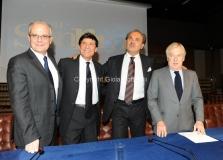 Roma 22/12/2010 conferenza stampa in rai su San Remo, nella foto: Paolo Garimberti, Mauro Mazza, Direttore Rai 1, Gianni Morandi, Mauro Masi