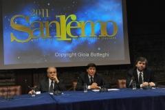 Roma 22/12/2010 conferenza stampa in rai su San Remo, nella foto: Paolo Garimberti, Mauro Mazza, Direttore Rai 1,Gianmarco Mazzi, Direttore artistico Festival, Gianni Morandi