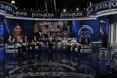 Roma12/06/2013 puntata di porta a porta con il ministro del lavoro Enrico Giovannini e Elhaida Dani (vincitrice di The Voice)