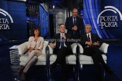 10/10/2012 Roma trasmissione porta a porta, nella foto: Renata Polverini, Enrico Rossi, Giovanni Chiodi, con Vespa