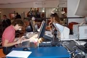 Gioia/Botteghi/OMEGA RAI UTILE canale digitale terrestre le due conduttrici Sabina Stilo e la redazione