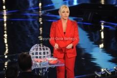 11/04/2015 Roma prima puntata di SENZA PAROLE condotto da Antonella Clerici