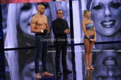 13/04/2015 Roma prima puntata di SI PUO FARE, nella foro: Amaurys Perez e Matilde Brandi