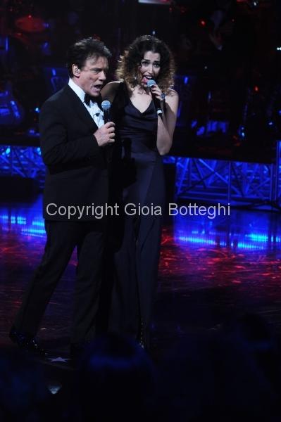 16/01/2016 Roma prima puntata di Sogno e son desto 3, nella foto: Massimo Ranieri e Nina Zilli
