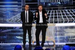 06/12/2013 Roma ultima puntata di Tali e Quali Show, nella foto Carlo Conti e Leonardo Pieraccioni