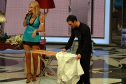 25/01/08 prima puntata della trasmissione di raiuno UOMO E GENTILUOMO nella foto : Salvio Simeoli con Valeria Marini